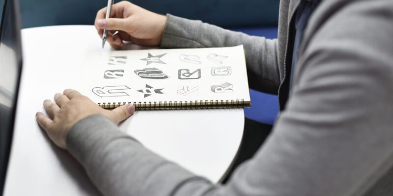 How To Design An Inspirational Startup Logo in Minutes